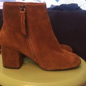 Splendid suede block heel booties sz 7